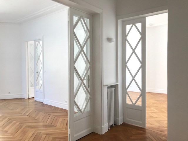 Rental apartment Paris 16ème 3990€ CC - Picture 2