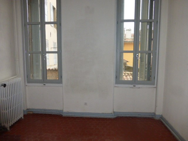 Location appartement Aix en provence 1 253€ CC - Photo 3