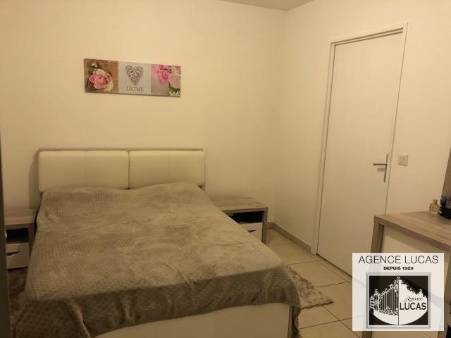 Rental apartment Verrieres le buisson 890€ CC - Picture 3