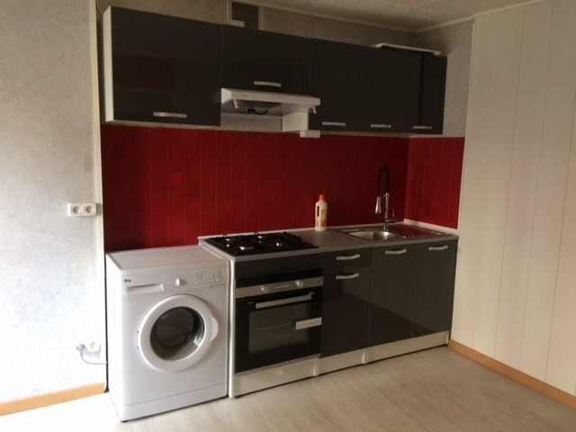Location appartement Laissac 390€ CC - Photo 1