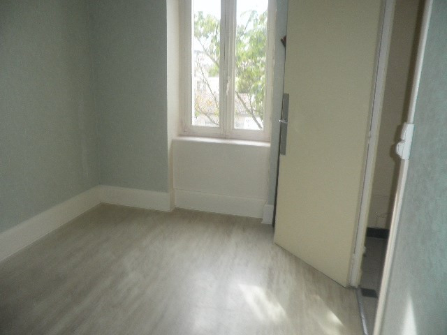 Location appartement Tarare 328€ CC - Photo 2