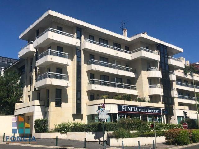 Deluxe sale apartment Suresnes 875000€ - Picture 10