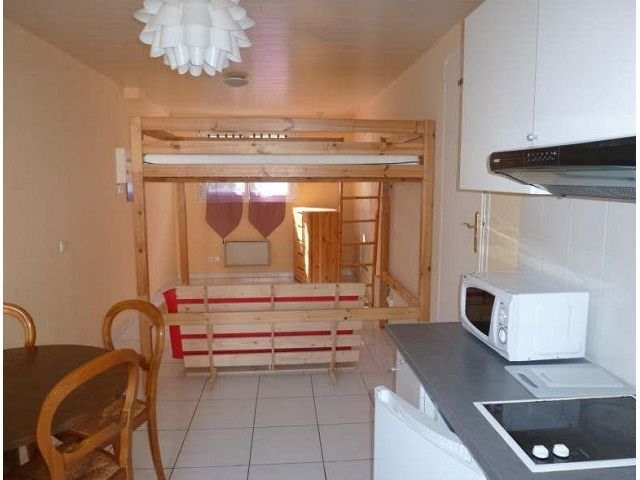 Location appartement Maurepas 564€ CC - Photo 1