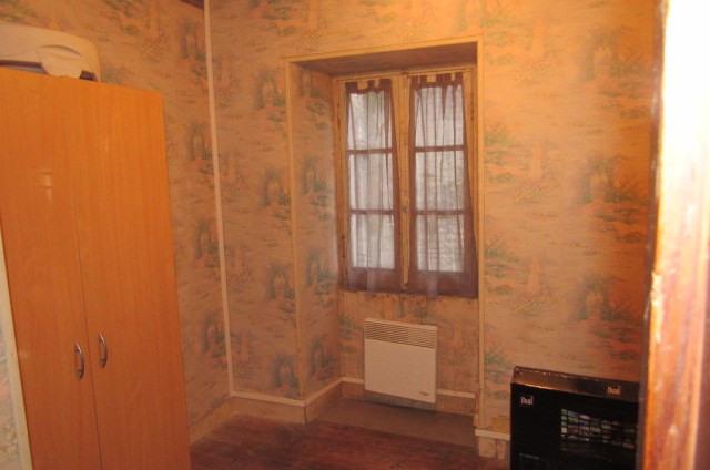Sale house / villa Saint savinien 69750€ - Picture 4