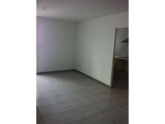 Location appartement Ste clotilde 828€ CC - Photo 2