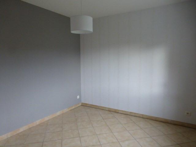 Rental apartment Freneuse 785€ CC - Picture 4