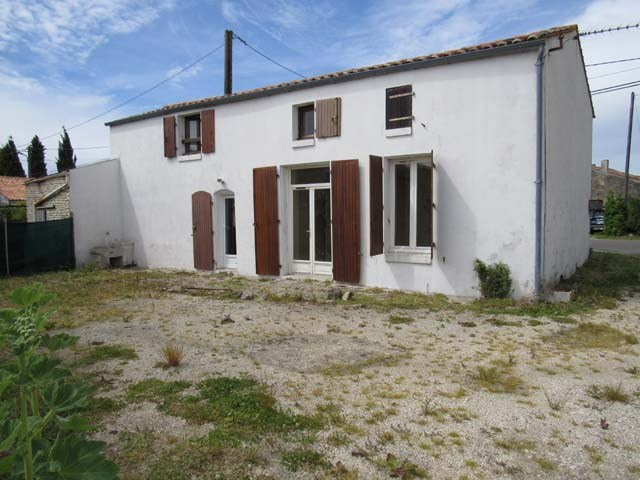 Vente maison / villa Loulay 85 500€ - Photo 1