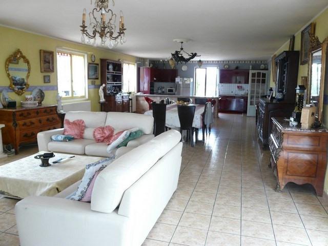 Sale house / villa Montrond-les-bains 360000€ - Picture 2