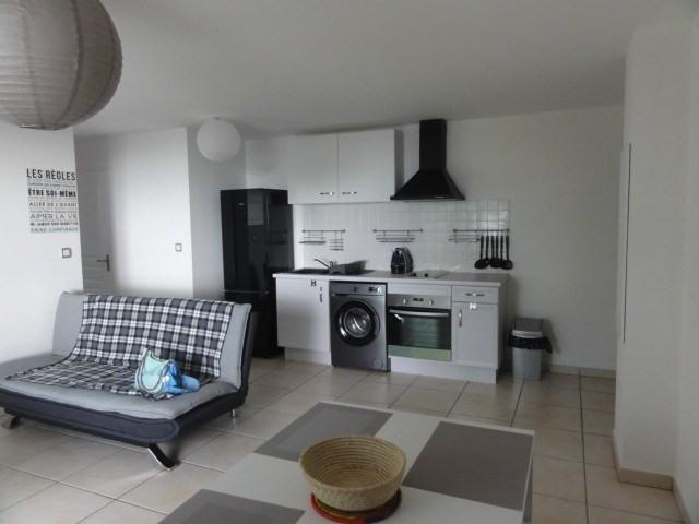 Location appartement La possession 720€ CC - Photo 1