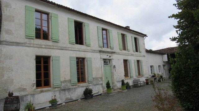 Sale house / villa Saint jean d'angely 233200€ - Picture 1