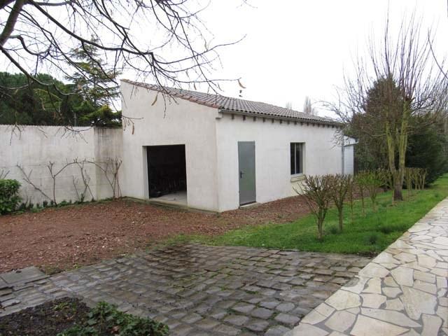 Sale house / villa Saint-jean-d'angély 231000€ - Picture 3