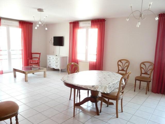 Revenda apartamento Saint-genest-lerpt 186000€ - Fotografia 2