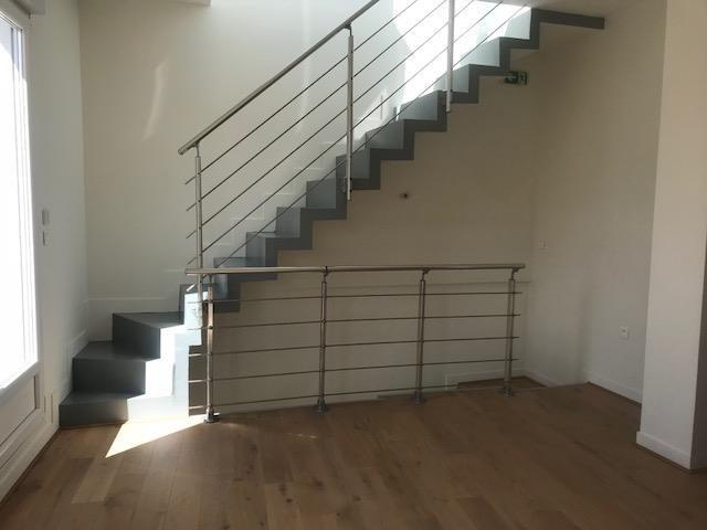 Alquiler  loft/taller/superficie Paris 18ème 2900€ CC - Fotografía 4
