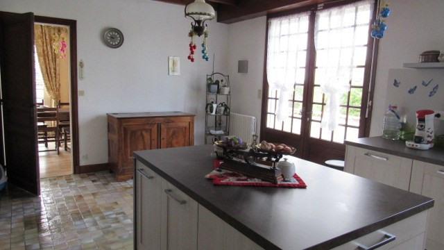Sale house / villa Saint-jean-d'angély 284850€ - Picture 6