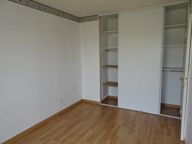 Location appartement Portes des pierres dorees 705€ CC - Photo 6