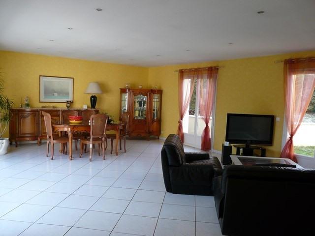 Sale house / villa Saint-genest-lerpt 337000€ - Picture 3