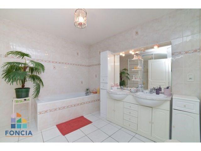 Sale apartment Bourg-en-bresse 252000€ - Picture 6