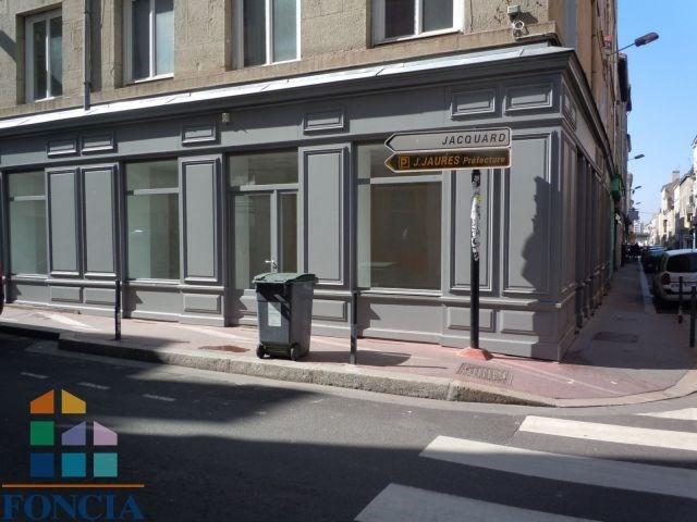 Location local commercial Saint-étienne 475€ CC - Photo 2