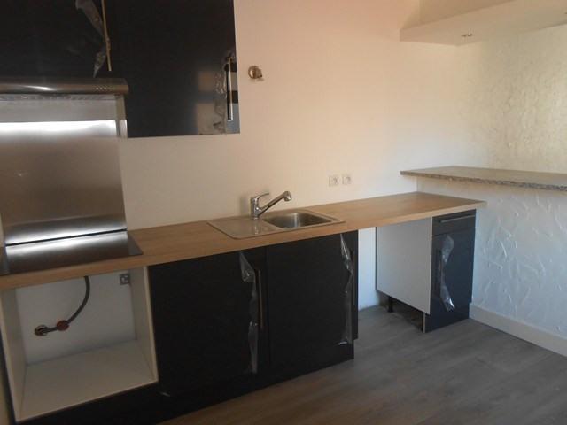 Rental apartment Montrond-les-bains 455€ CC - Picture 1