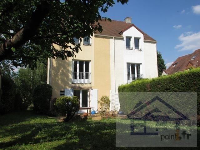 Sale house / villa Saint germain en laye 625000€ - Picture 1