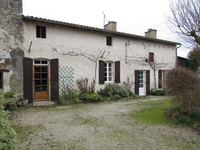 Vente maison / villa Saint jean d'angely 174 900€ - Photo 2