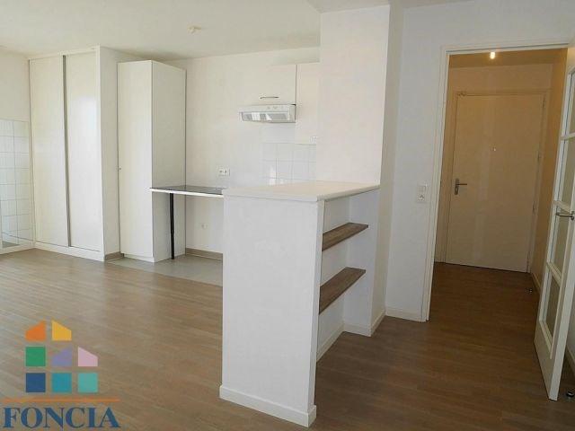 Rental apartment Suresnes 879€ CC - Picture 3
