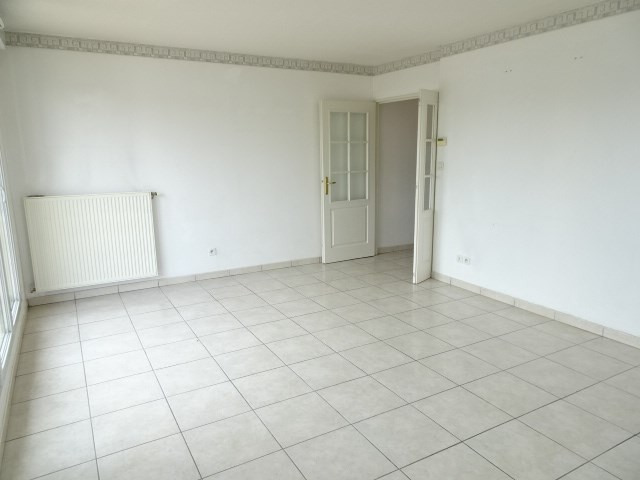 Location appartement Portes des pierres dorees 705€ CC - Photo 3