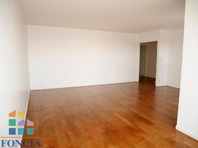 Rental apartment Suresnes 2333€ CC - Picture 3
