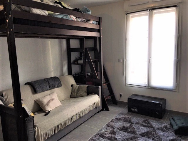 Sale apartment Romainville 175000€ - Picture 2