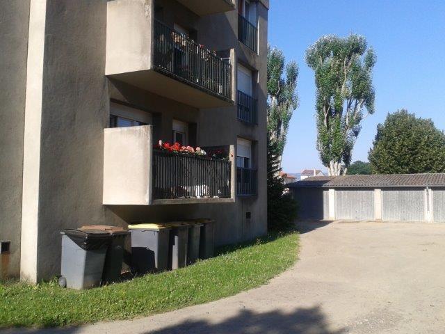 Sale apartment Sury-le-comtal 68000€ - Picture 1