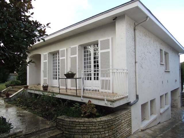 Sale house / villa Saint-jean-d'angély 284850€ - Picture 9