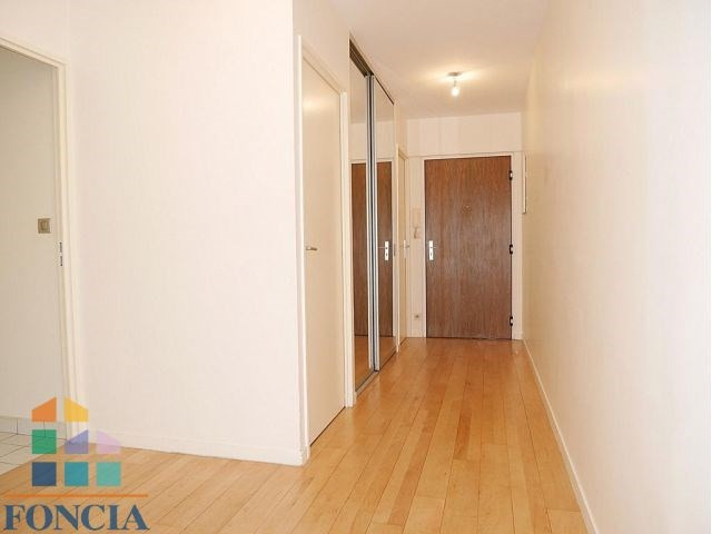 Rental apartment Suresnes 2 333€ CC - Picture 6