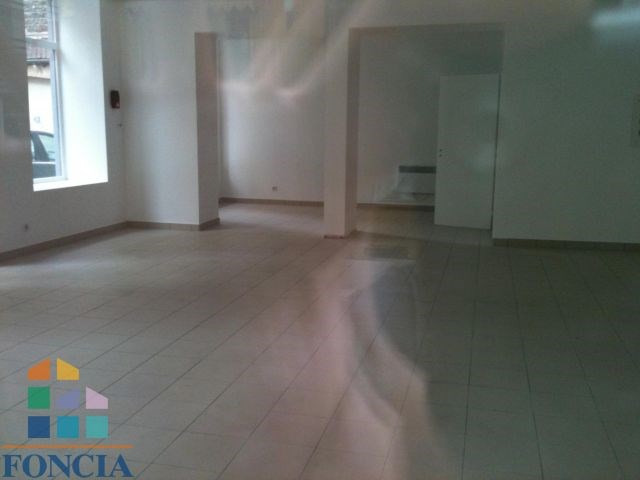 Location local commercial Saint-étienne 633€ CC - Photo 2
