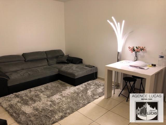 Rental apartment Verrieres le buisson 890€ CC - Picture 1
