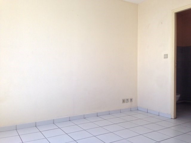 Rental apartment St denis 350€ CC - Picture 5