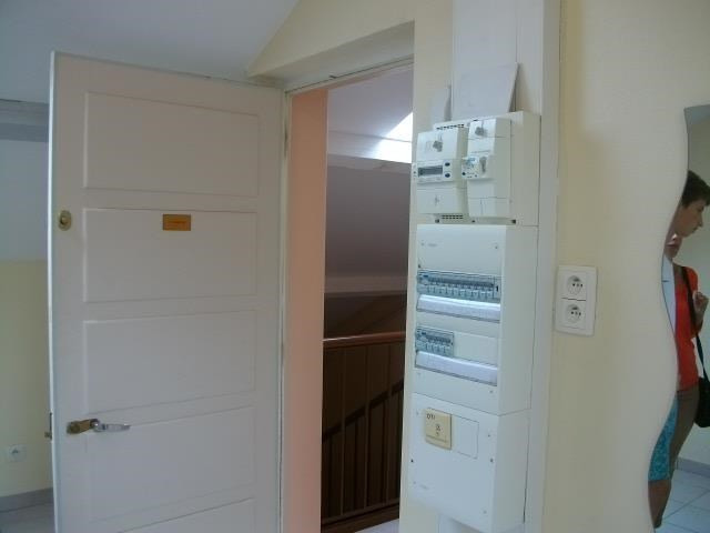 Location appartement Bron 442€ CC - Photo 2