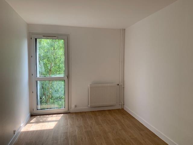 Location appartement Plaisir 1018€ CC - Photo 3