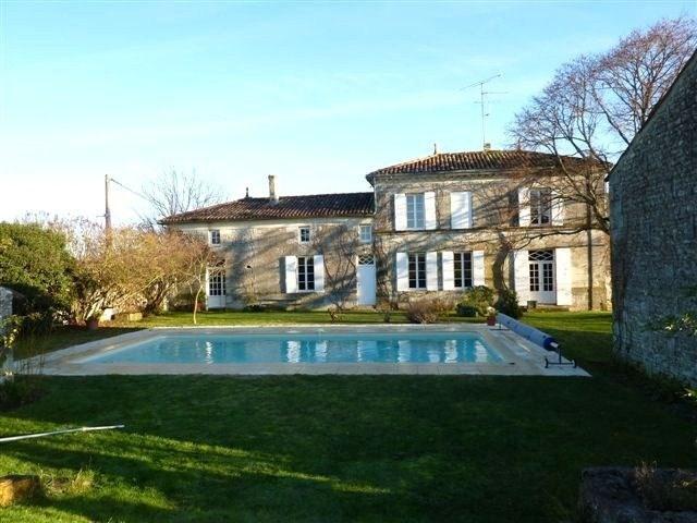 Vente maison / villa Saint-fort-sur-gironde 468000€ - Photo 1