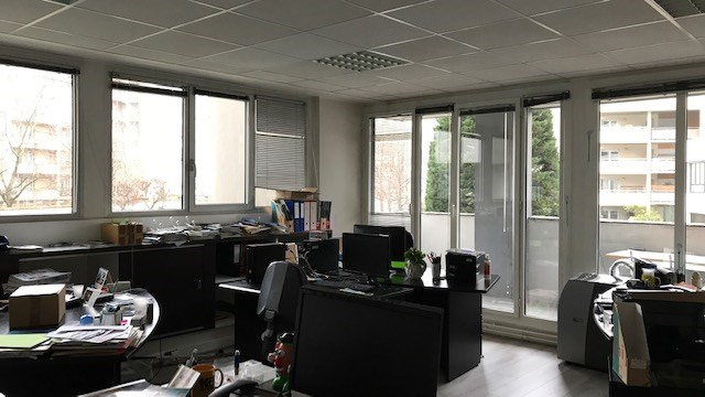 Rental office Paris 12ème 10 233€ HT/HC - Picture 1