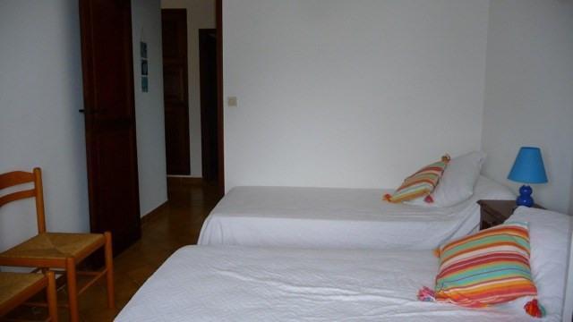 Location vacances maison / villa Les issambres 1105€ - Photo 7