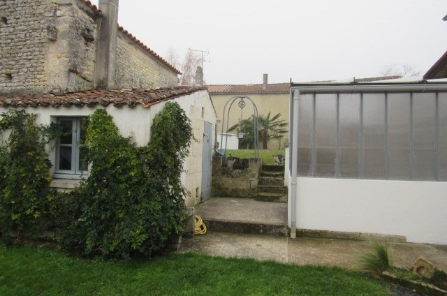 Sale house / villa Geay 212 000€ - Picture 2