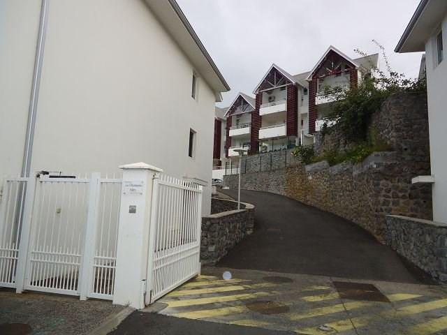 Location appartement Ste clotilde 606€ CC - Photo 1