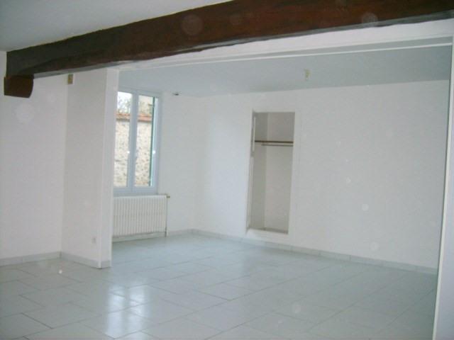 Location maison / villa Bennecourt 720€ CC - Photo 3