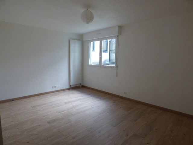 Rental apartment Chambery 360€ CC - Picture 1