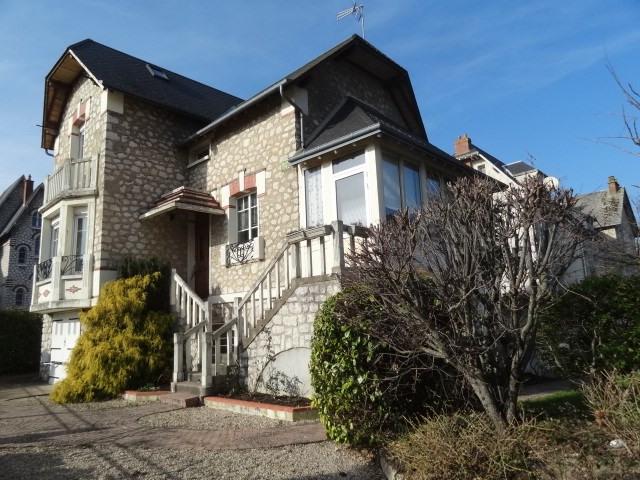 Sale house / villa Montargis 278000€ - Picture 1