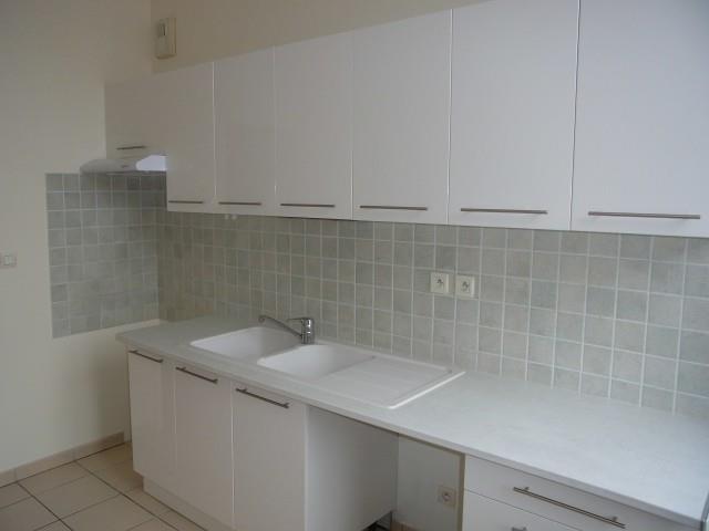 Rental apartment Vendome 567€ CC - Picture 3