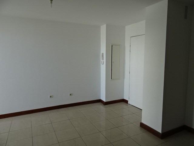 Location appartement Ste clotilde 550€ CC - Photo 5
