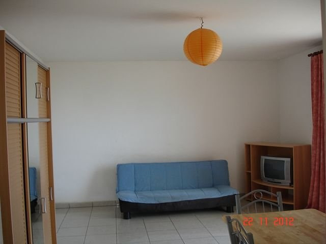 Location appartement Ste clotilde 457€ CC - Photo 2