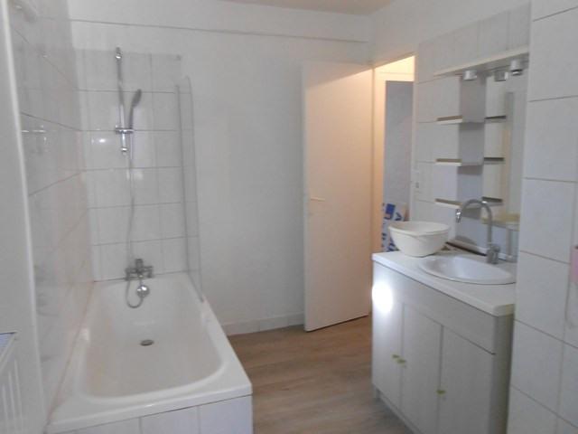 Rental apartment Montrond-les-bains 455€ CC - Picture 4