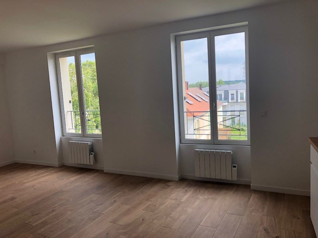 Rental apartment Carrieres sous poissy 780€ CC - Picture 2